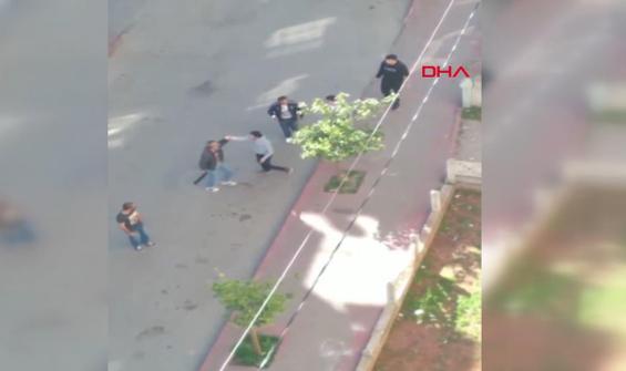 İki grup arasında çıkan palalı tüfekli kavga kamerada