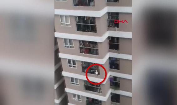 Kurye 12'inci katta düşen küçük kızı böyle kurtardı