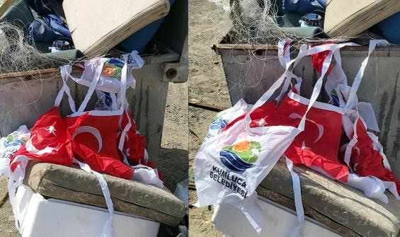 Türk bayrakları çöpte bulundu, 2 kişinin ifadesi alındı
