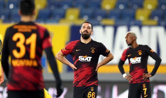 Lider Galatasaray başkentte ağır yaralı