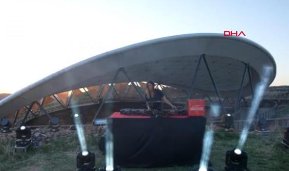 Göbeklitepe'de tepki çeken DJ gösterisi