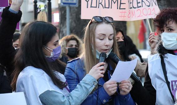 Falçata ile yüzü kesilen Hanna 8 Mart yürüyüşünde