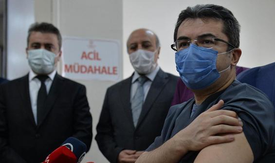 İlk doz aşısını 19 Şubat'ta olan vali koronavirüse yakalandı