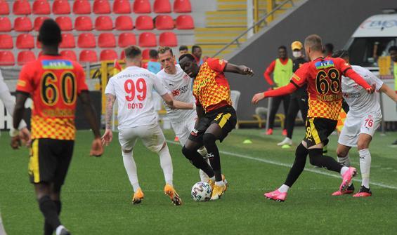 Göztepe - Sivasspor maçında gol yağdı