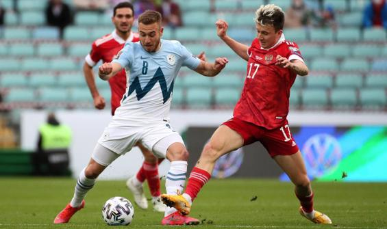 Rusya, Slovenya engelini 2 golle aştı