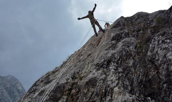 Azerbaycan askerlerine dağcılık eğitimi