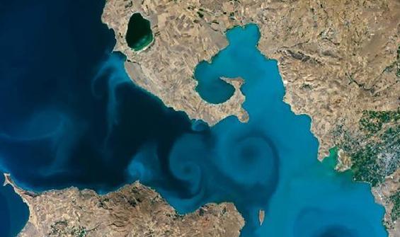 Uzaydan çekilen Van Gölü fotoğrafı yarı finalde