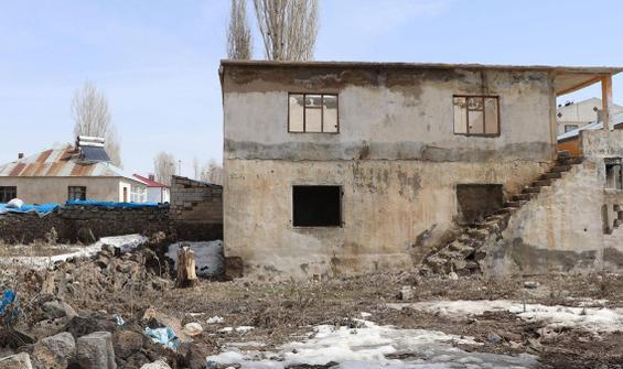 Çaldıran'da vahşet evi! Onlarcası işkenceyle öldürüldü