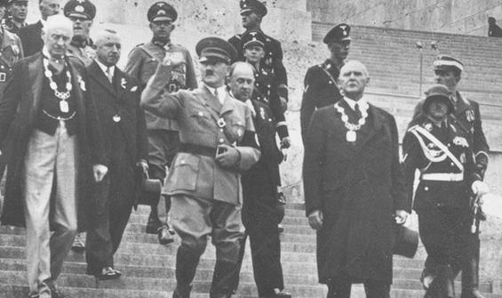 Hitler'i savunan akademisyene soruşturma