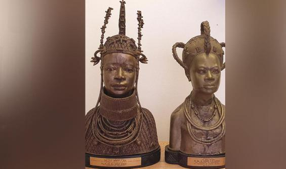 İngiliz kilisesi, iki bronz heykeli Nijerya'ya iade edecek