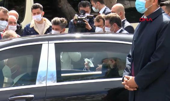 Erdoğan, Sarıyer'de minibüsçülerle sohbet etti