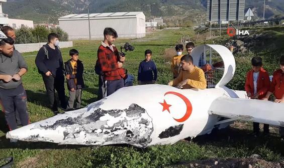 Fenomen uçak kazası geçirdi! Vatandaşlar İHA düştü sandı