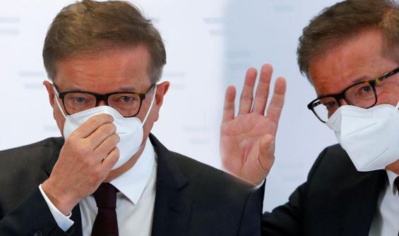 Koronavirüs, bakanı tüketti! Gözyaşlarıyla istifa etti