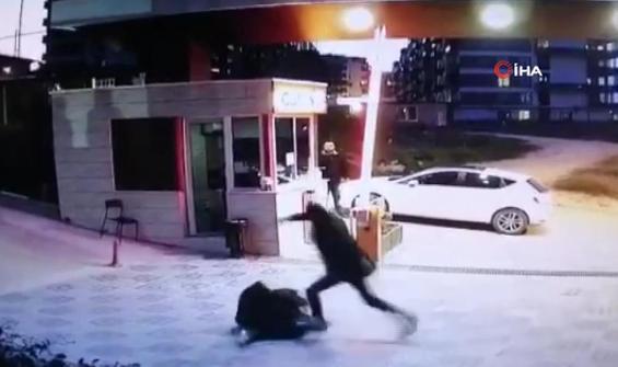 Yeğenini evde göremedi, güvenliği dövdü