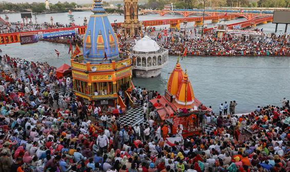 Vakada rekor! Dini festivaller, mitinglerle yayılıyor!
