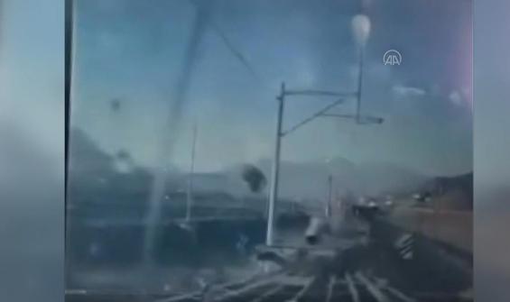 Treni kurtarmak için gelen başka trenin sebep olduğu kaza