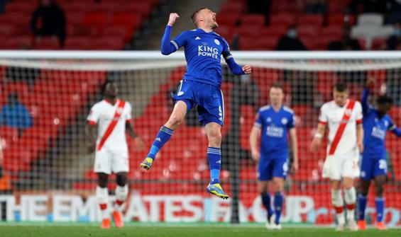 Leicester City, FA Cup'ta finale yükseldi