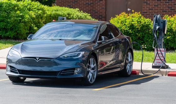 Tesla Motor, Bitcoin'den 1 milyar dolar kazandı