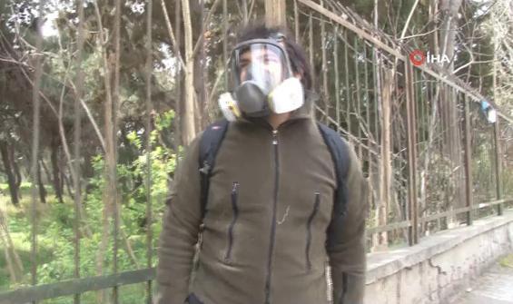 Vaka sayısı artınca sokağa gaz maskesiyle çıktı