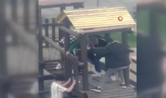 Çocuk parkında şaşırtan vandallık