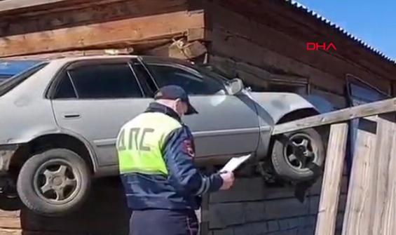 Kaza yapan aracı görenler anlam veremedi