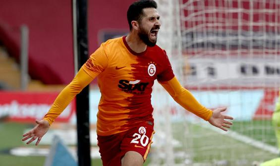 Galatasaray, Emre Akbaba'yla güldü