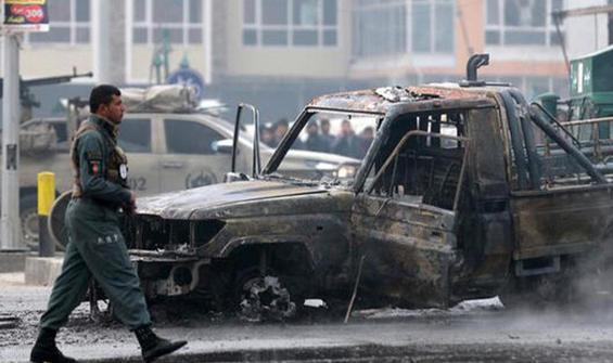 Afganistan'da bombalı saldırı! Onlarca ölü ve yaralı var