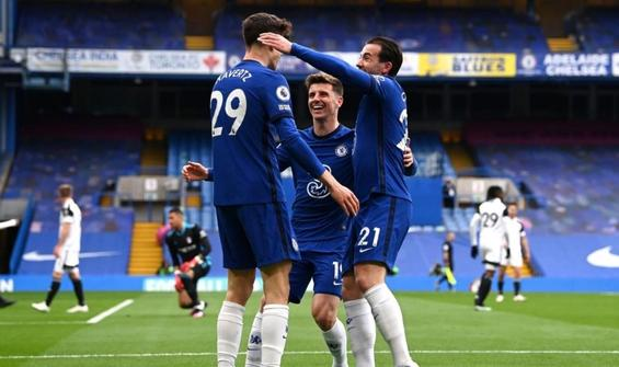 Chelsea, Fulham'ı iki golle geçti