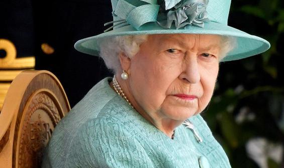 1 haftada 2 güvenlik skandalı! Kraliçe'nin evine girdiler