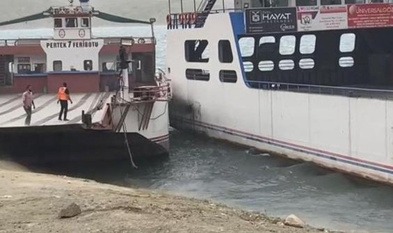 Fırtına olumsuz etkiledi! Savrulan feribotlar çarpıştı