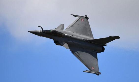 Anlaşma imzalandı, 30 savaş uçağı alıyorlar