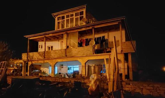 İftarı beklerken balkon duvarı devrildi: 3 yaralı