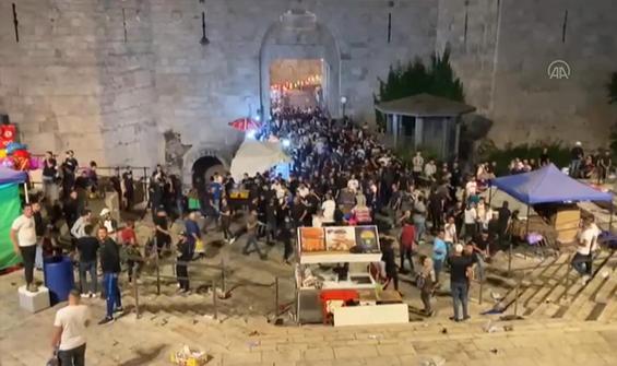 İsrail Şam Kapısı'nda Filistinlilere müdahale etti
