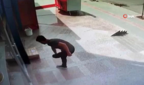 Kısıtlamayı fırsat bilen hırsız kargo paketini çaldı