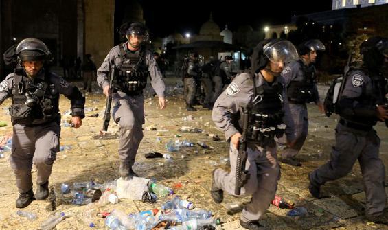 İsrail yine Mescid-i Aksa'yı hedef aldı! Onlarca yaralı var
