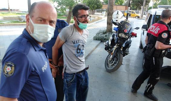Turist maske için direndi, polislerin üzerine yürüdü