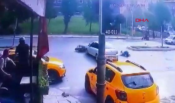 Kırmızı ışıkta geçen motosikletli arabadan kaçamadı