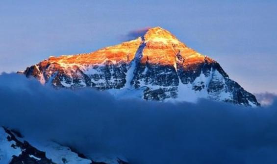Çin'den flaş Everest Dağı açıklaması