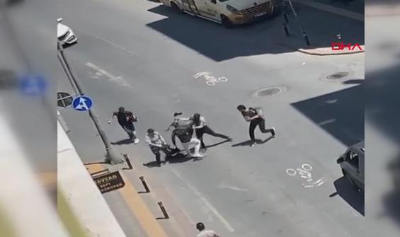 İki grubun kemerli kavgası kamerada
