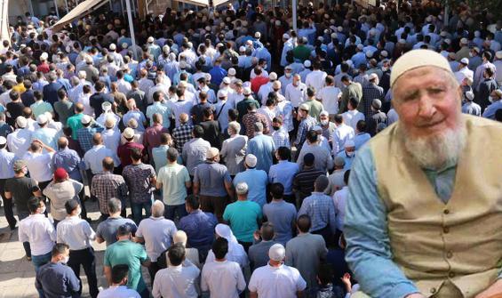 Korona öldü, cenazesine yüzlerce kişi katıldı