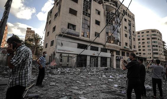 Gazze'de can kaybı 212'ye yükseldi