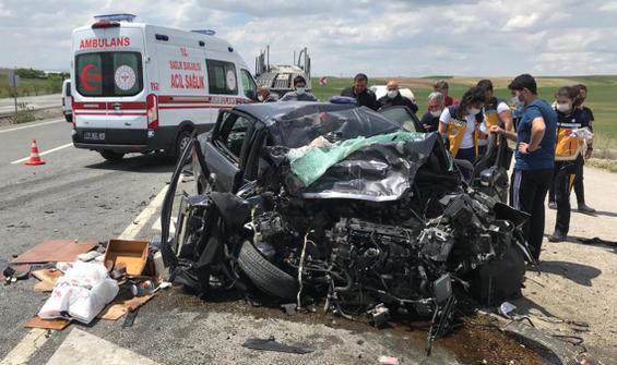 Kırıkkale'de feci kaza: 1 ölü, 2 yaralı