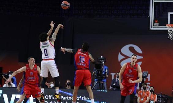 Final-Four mücadelesinde Anadolu Efes adını finale yazdırdı