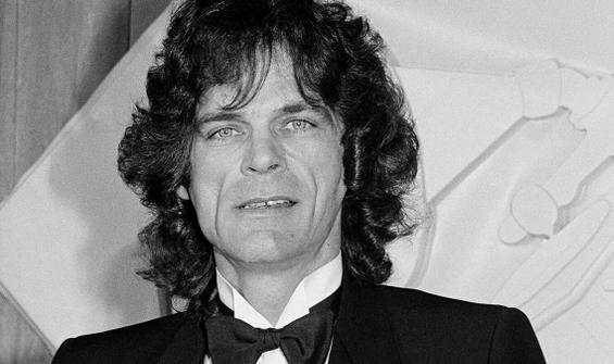 5 Grammy'li ünlü şarkıcı kansere yenik düştü