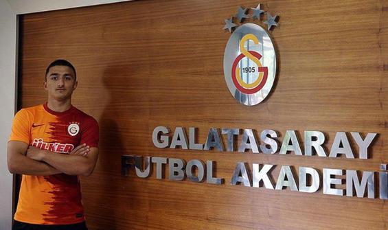 Galatasaray'da ilk imza