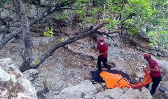 Vatandaşlar fark etti! Yol kenarında erkek cesedi bulundu