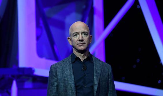 Jeff Bezos tarih verdi: Uzaya gidiyor!