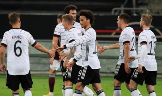 Almanya şov yaptı! Letonya'yı farklı yendi