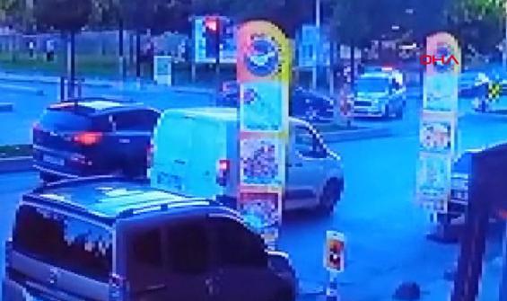Polis aracının kaza yaptığı anlar kamerada