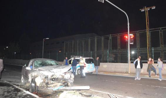 Sarıyer'de minibüs ile otomobil çarpıştı: 3 yaralı